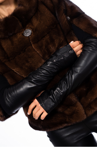 Ladies leather gloves without fingers