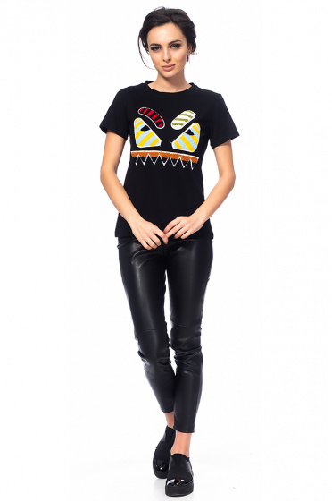 Ladies t-shirt with embroidery
