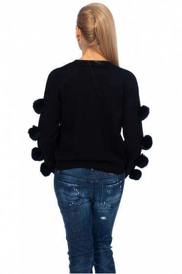 Women's sweater with fluff