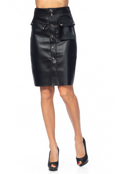 Ladies leather skirt with a pocket