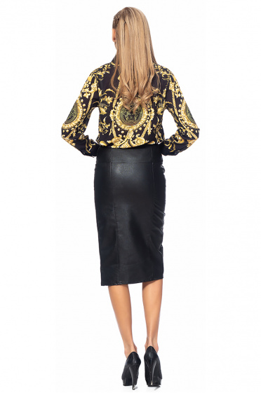 Ladies leather skirt with slit