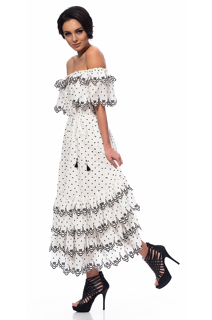 Ladies' long dress with ruffles