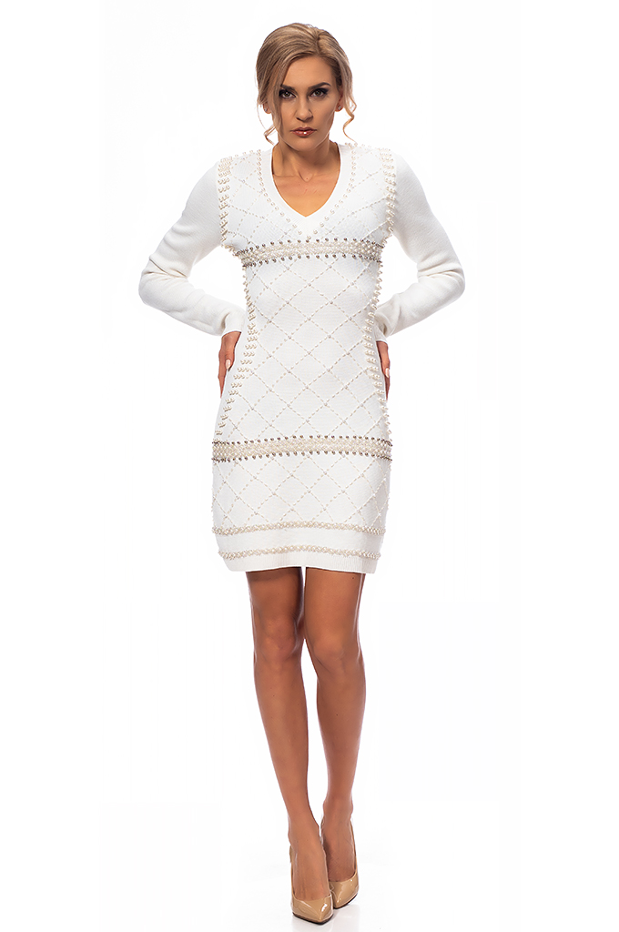 Ladies knitted dress with pearls