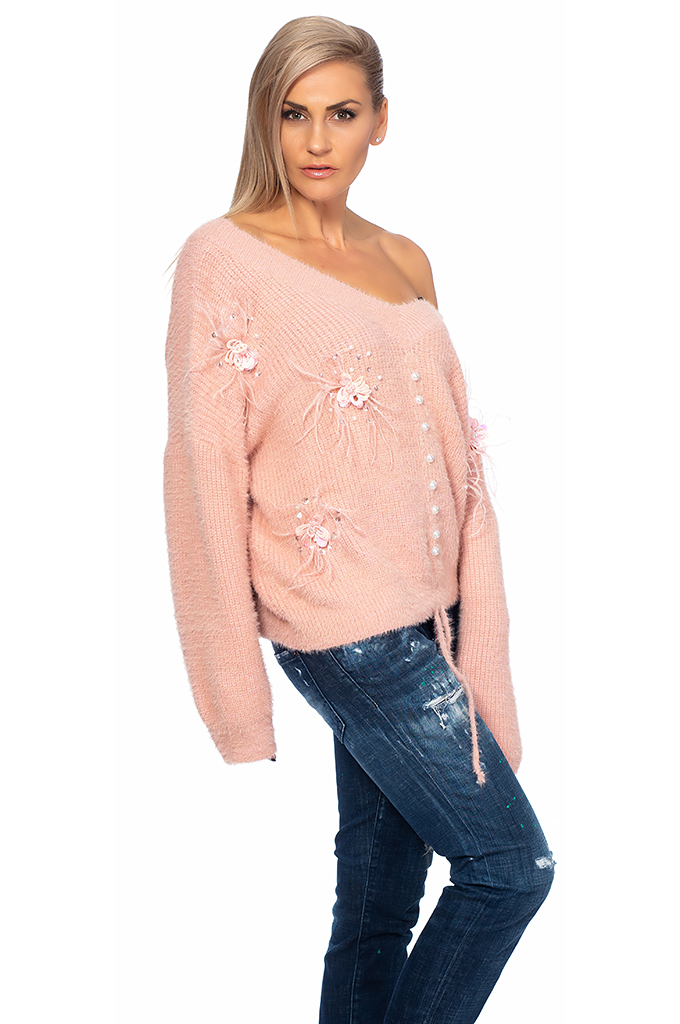 Ladies sweater with feathers