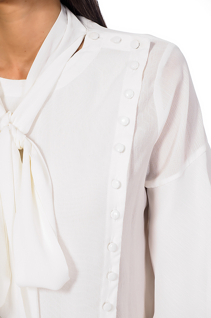 Ladies shirt with buttons